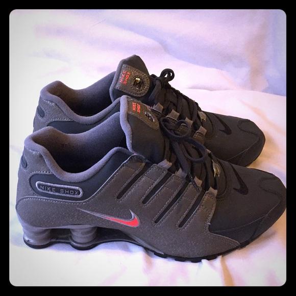 premium selection 8ce9e 04583 Nike Shox Women s 9 grey Nice! M 5ab1a0d6a4c4855b0ecdab95